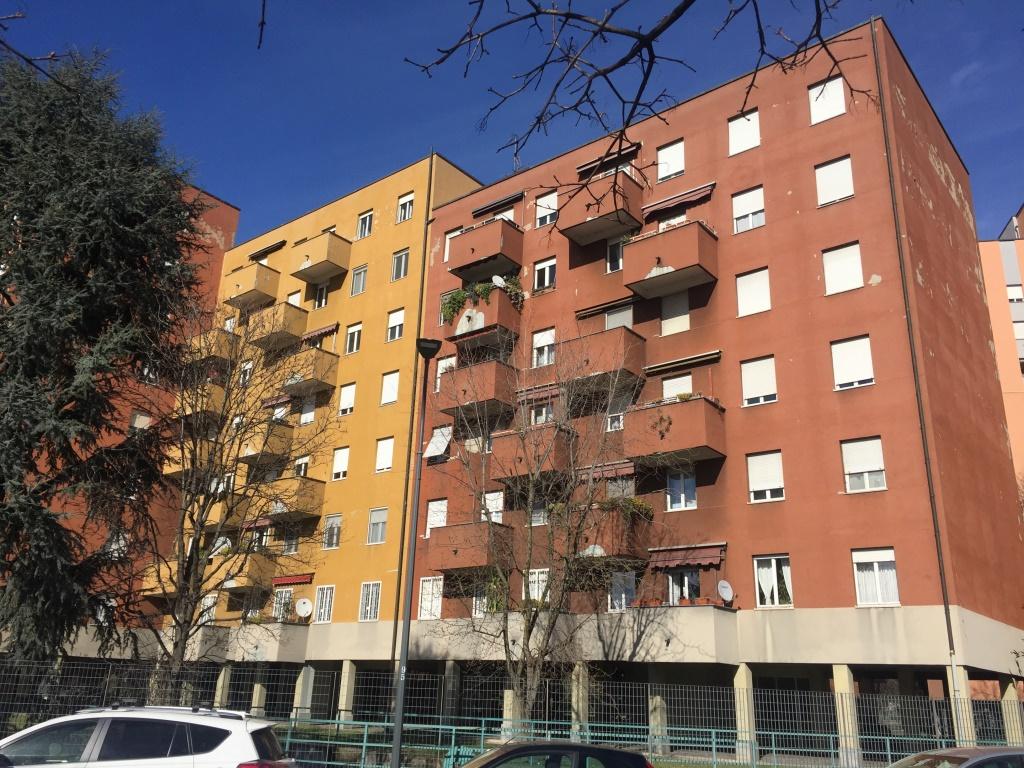 Agenzia Corso Immobiliare Bisceglie appartamento quadrilocale in vendita a milano bisceglie
