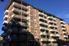 Appartamento trilocale in vendita a Milano Gambara