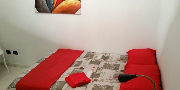 RED ROOM (1)