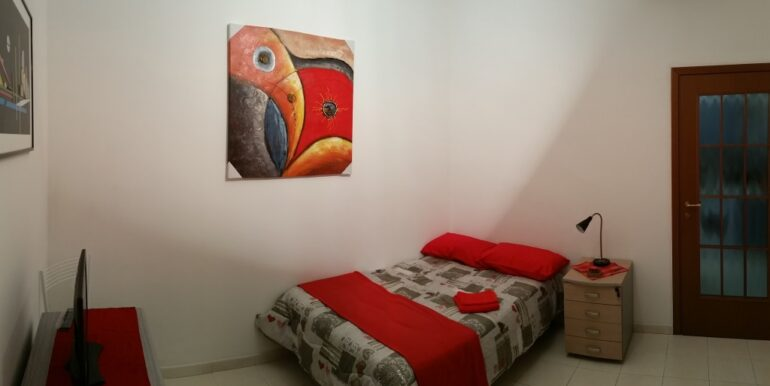 RED ROOM (2)