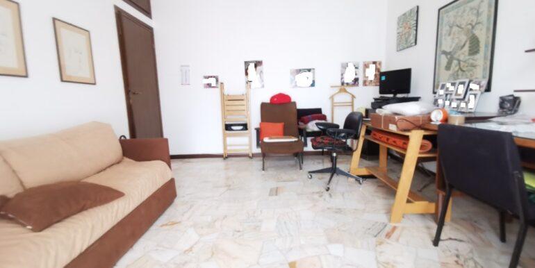 interno camera 2